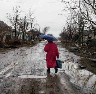 Una mujer en Debáltsevo, Ucrania