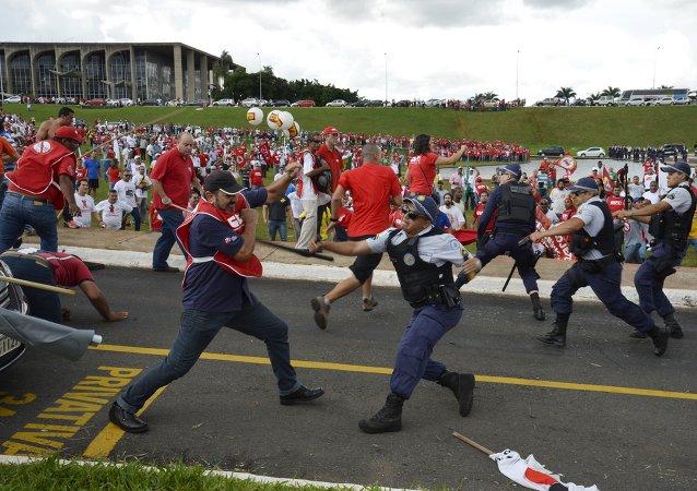 La jornada de lucha sindical en Brasil concluye con 5 detenidos y 8 heridos