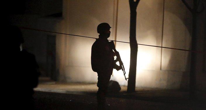 Empresas privadas ganan miles de millones en los países desgarrados por la guerra