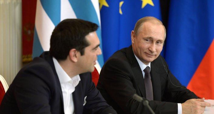 El presidente de Rusia Vladímir Putin y el primer ministro de Grecia Alexis Tsipras