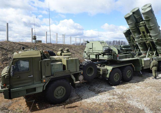 Sistema de misiles antiaéreos ruso S-400 (imagen referencial)