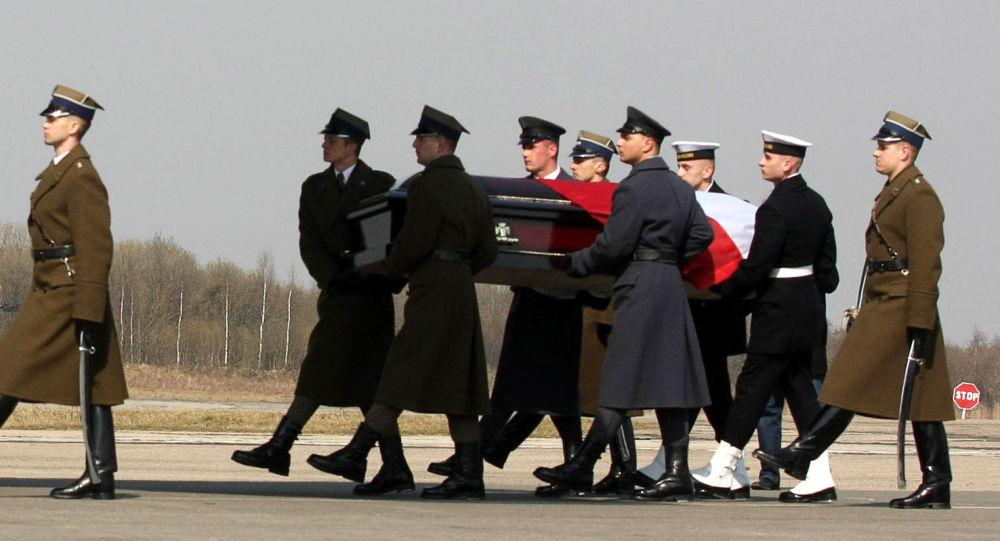 Envío del cuerpo de Lech Kaczynski a Polonia