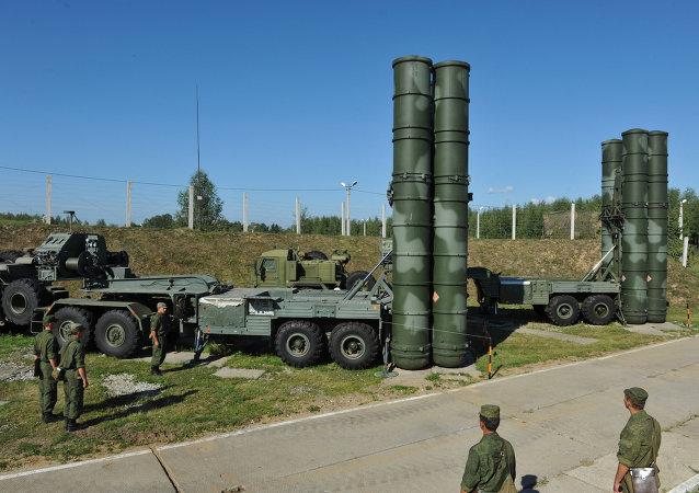 Sistemas de misiles S-400 Triumf