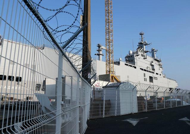 Portahelicópteros de la clase Mistral, el Vladivostok, en el astillero de Saint-Nazaire, Francia