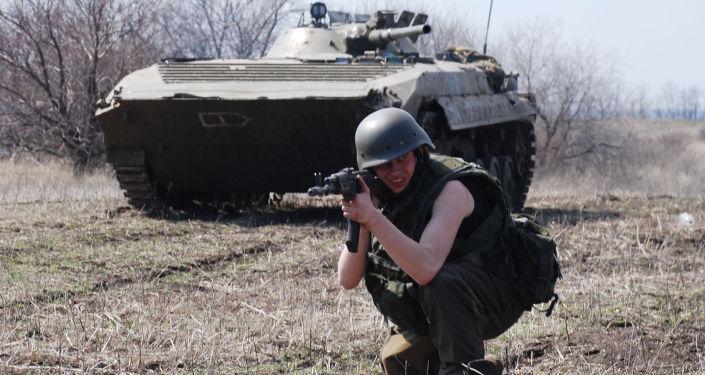 Un miliciano de Donbás