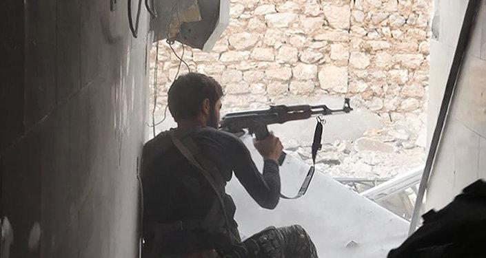 Un militante de la organización terrorista Estado Islámico (Archivo)