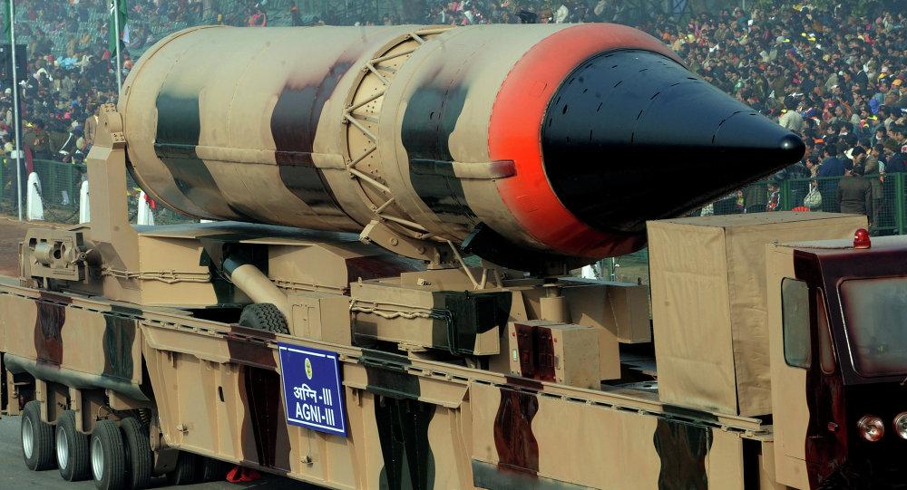 Misil balístico indio con capacidad nuclear Agni III (Archivo)