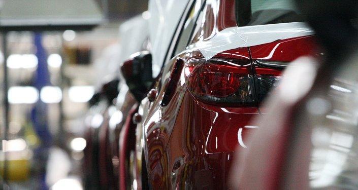 Producción y exportación de autos retrocede en México por primera vez en 2015