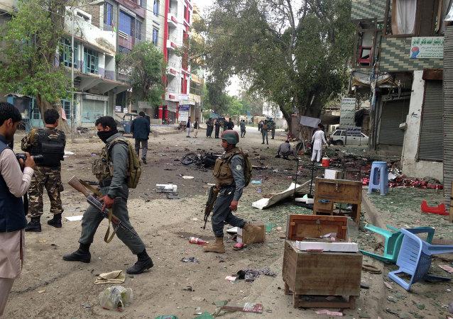 Lugar del atentado con bomba en Jalalabad
