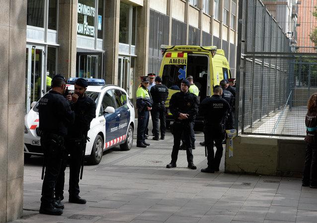 Un alumno mata a un profesor y deja cuatro heridos en un instituto de Barcelona