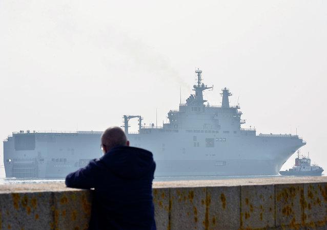 Portahelicópteros de clase Mistral Sevastopol