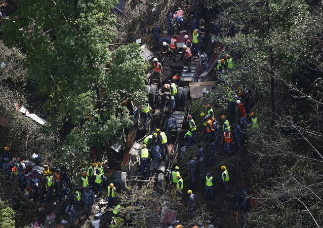 Al menos 17 muertos y 27 heridos en un accidente de autobús en Nepal