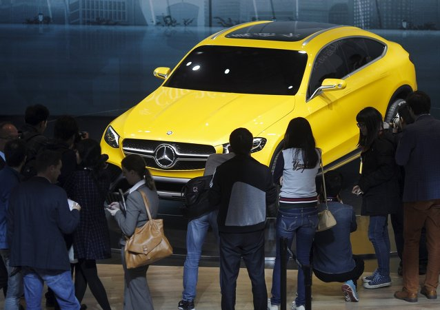 China multa a Mercedes Benz con 57 millones de dólares por fijar precios