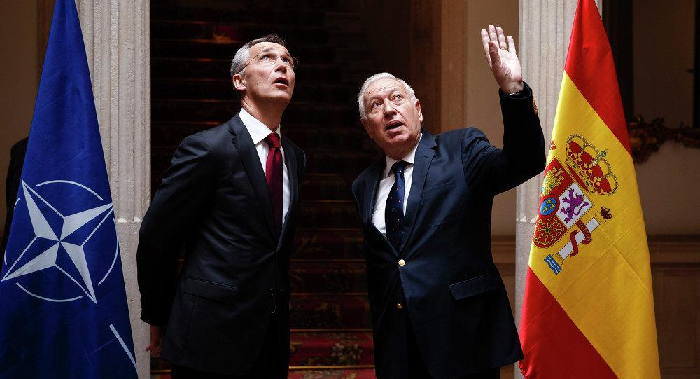 Ministro de Exteriores de España, Jose Manuel Garcia Margallo y secretario general de la OTAN, Jens Stoltenberg