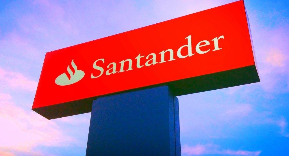 El banco santander redujo un 37 su red de oficinas en for Oficinas banco santander murcia