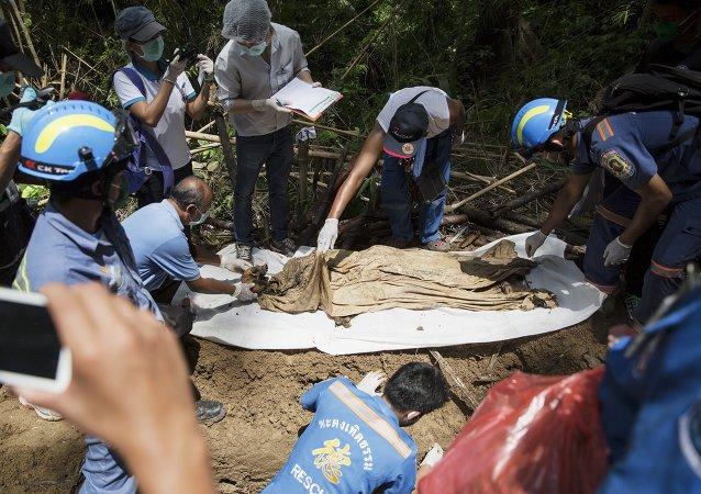 Uno de los cuerpos hallados en Tailandia