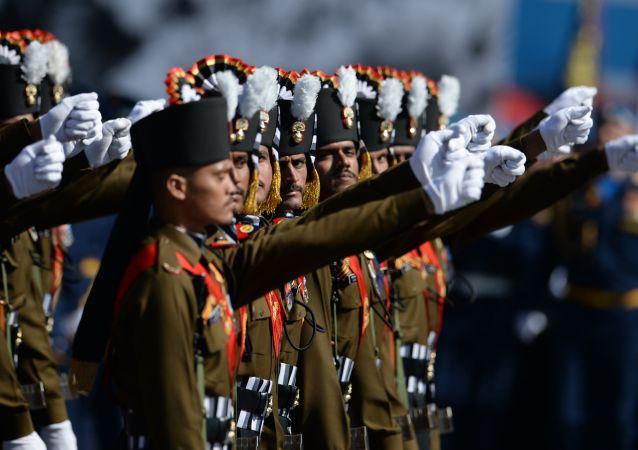 Militares indios (archivo)
