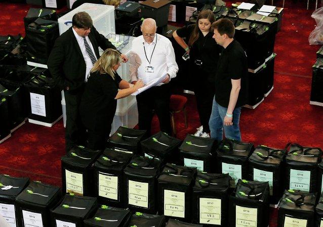 Un colegio electoral en Margate, Inglaterra