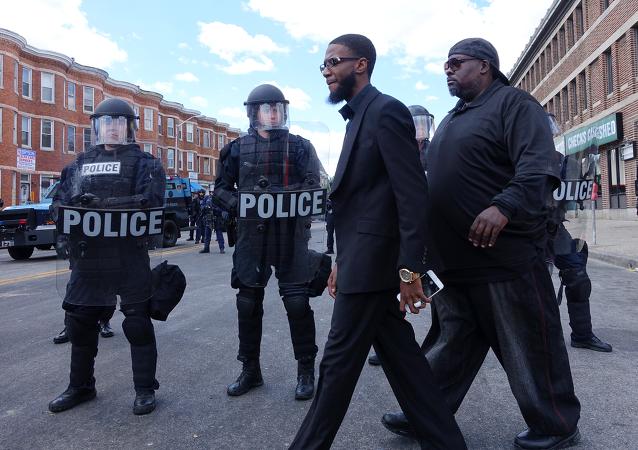 Policías en Baltimore