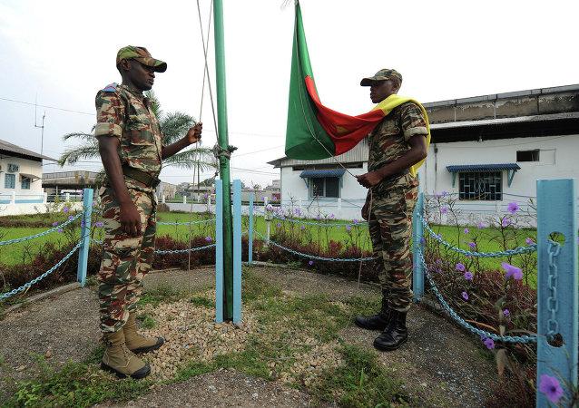 Soldados cameruneses