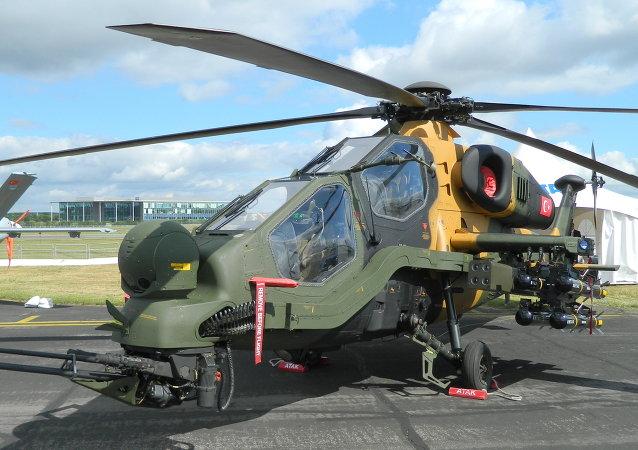 Helicóptero de ataque turco T-129 ATAK