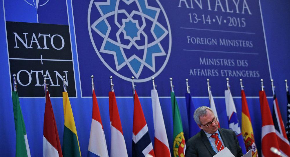 Reunión de jefes de diplomacia de la OTAN en Turquía