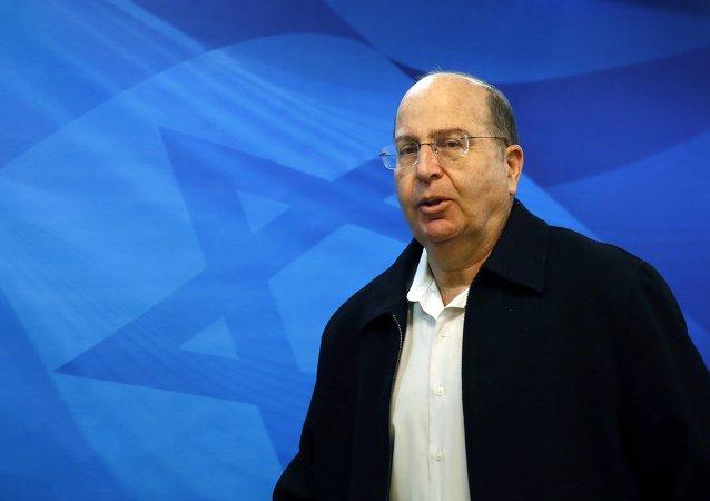 Moshé Yalón, ministro de Defensa de Israel