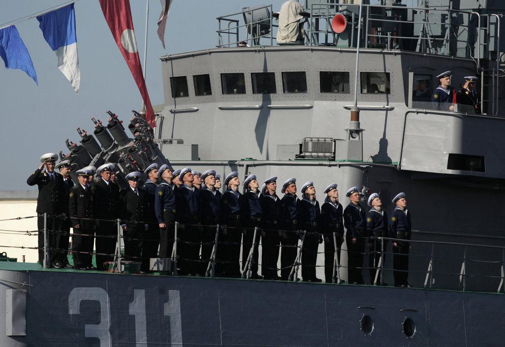 Ensayo del desfile naval militar para el aniversario 310 de la Flota del Báltico.