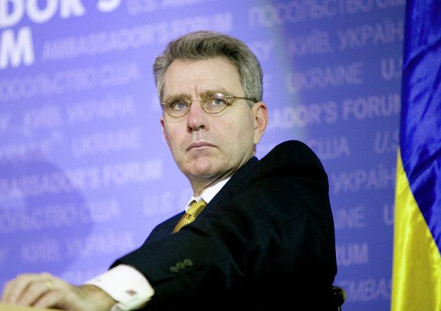 Geoffrey R. Pyatt, embajador estadounidense en Ucrania