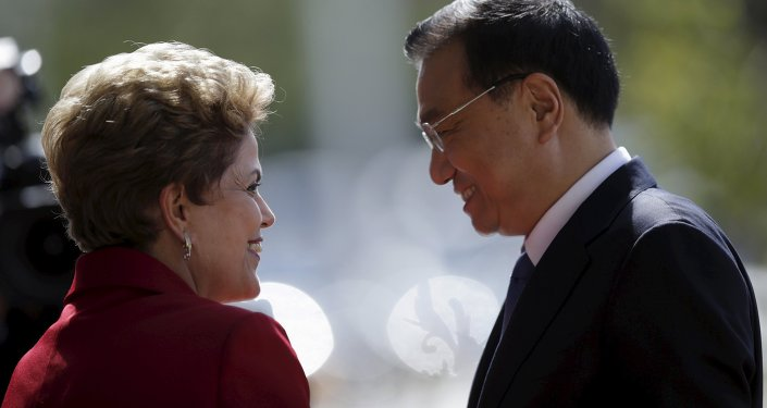Li Keqiang, primer ministro del Consejo de Estado de China y Dilma Rousseff, presidenta de Brasil