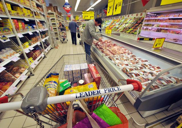 Un francés propone exportar la ley que prohíbe a los supermercados desechar comida