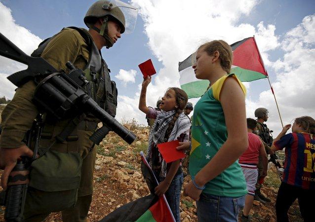 Palestinos de pedir la suspensión de Israel en la FIFA