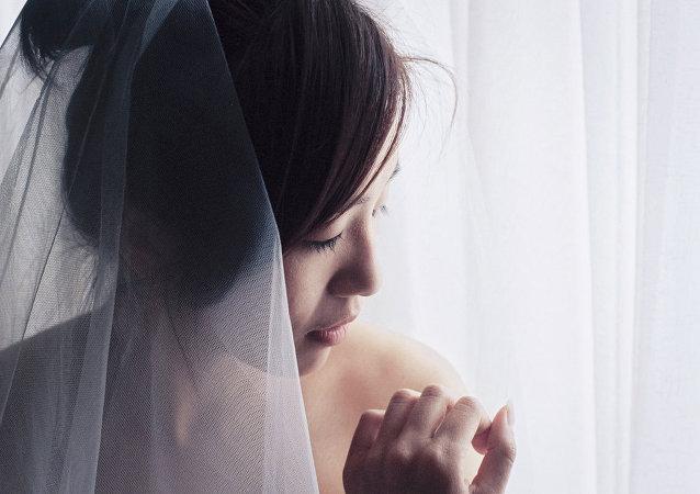 Un novio es arrestado en Tailandia la víspera de su boda por robar dinero para la dote