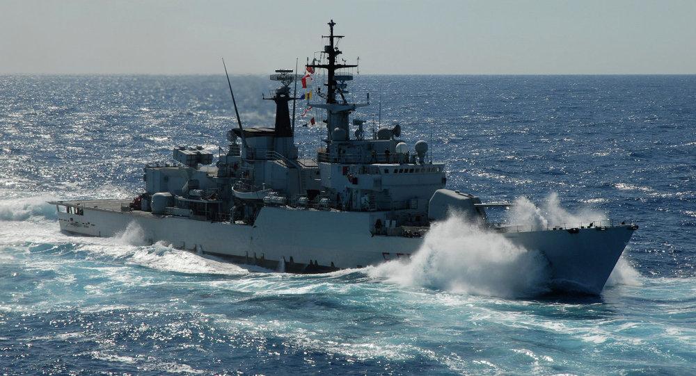 Aviere, корабль НАТО на учениях в Черном море