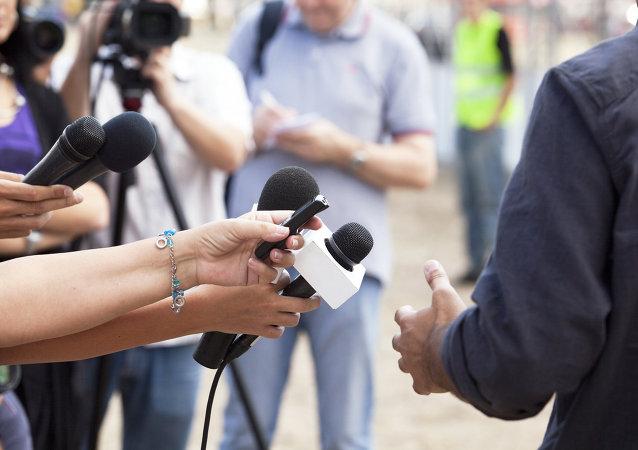 Corresponsales durante una entrevista