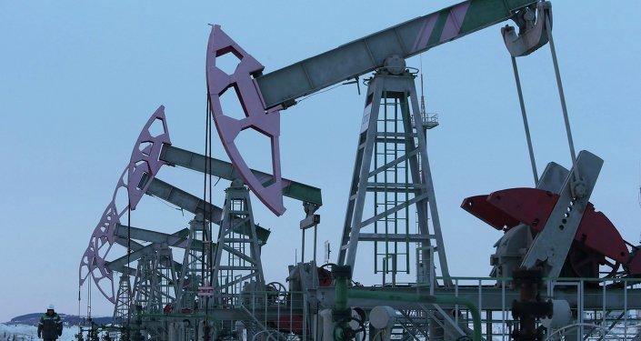 Extracción de petróleo en Nikolo-Berezovka, Rusia (archivo)