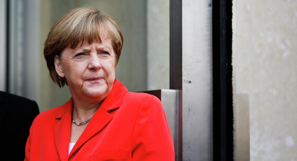 Merkel, en contra de soluciones militares de Estados Unidos y Norcorea