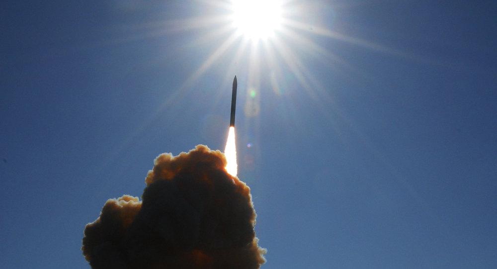Lanzamiento de un misil interceptor del escudo antimisiles de Estados Unidos (GMD) (archivo)