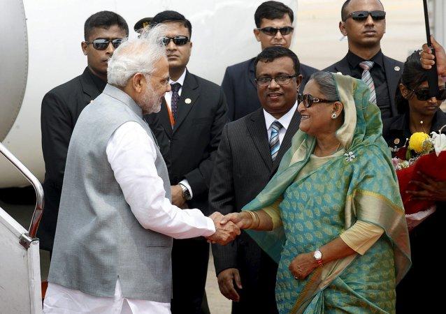 Narendra Mod, primer ministro de India y Sheikh Hasina, primer ministro de Bangladés