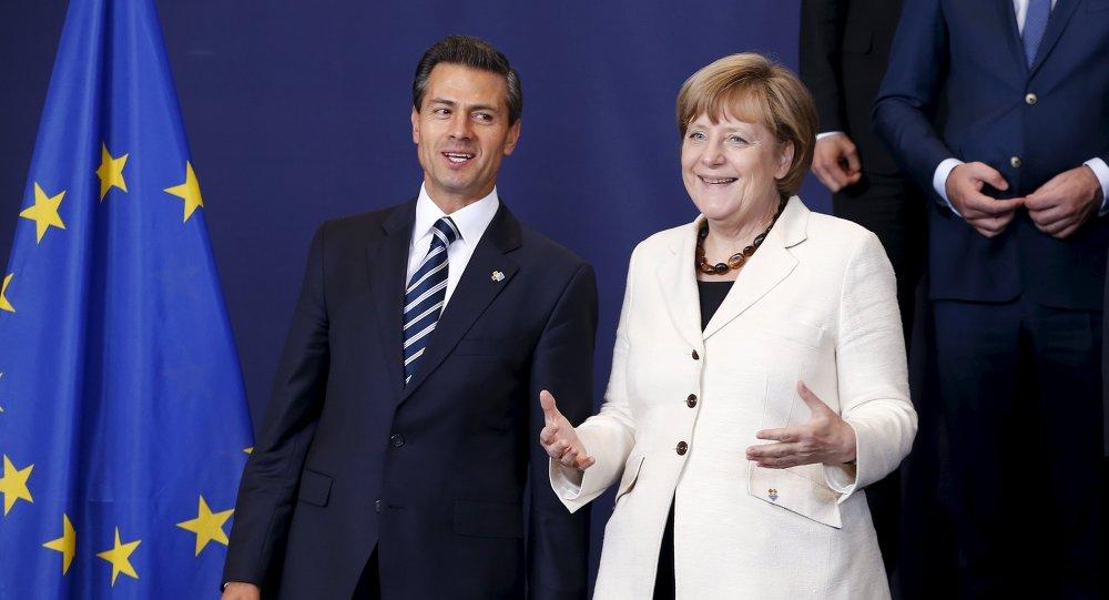 Presidente de México Enrique Peña y canciller de Alemania Angela Merkel