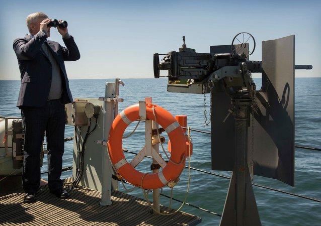 Primer ministro canadiense afirma haber visto buques de guerra rusos en el Báltico
