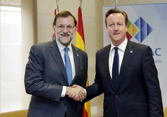 Mariano Rajoy, presidente de España, se ha reunido en Bruselas con David Cameron, primer ministro de Gran Bretaña, el 11 de junio, 2015