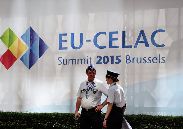 Agentes de policía en la cumbre UE-Celac