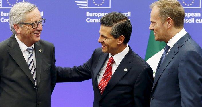 Presidente de la Comisión Europea, Jean-Claude Juncker, presidente de México, Enrique Peña Nieto y presidente del Consejo Europeo, Donald Tusk
