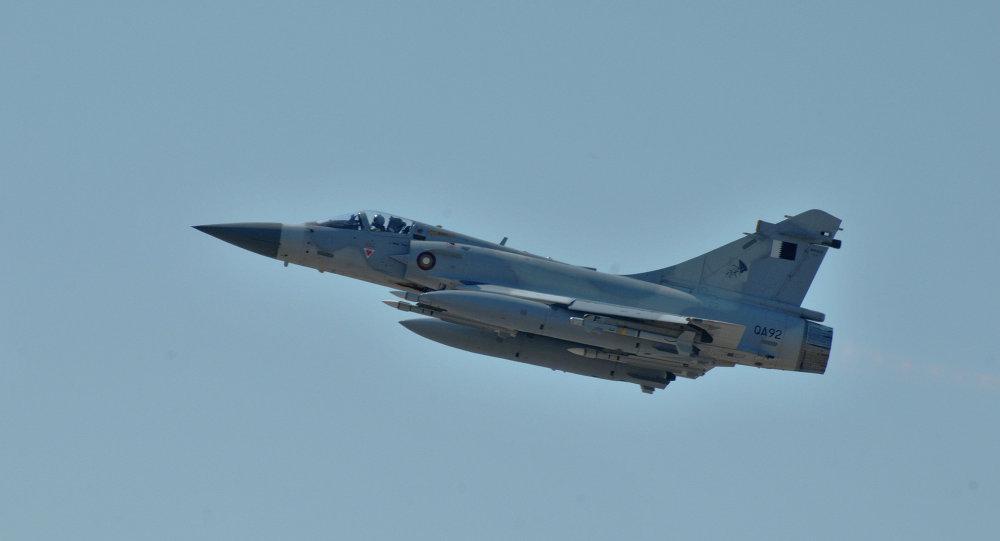 Un avión de la fuerza aérea de Catar participa en la intervención militar de la OTAN en Libia para combatir el régimen de Muamar Gadafi (archivo)