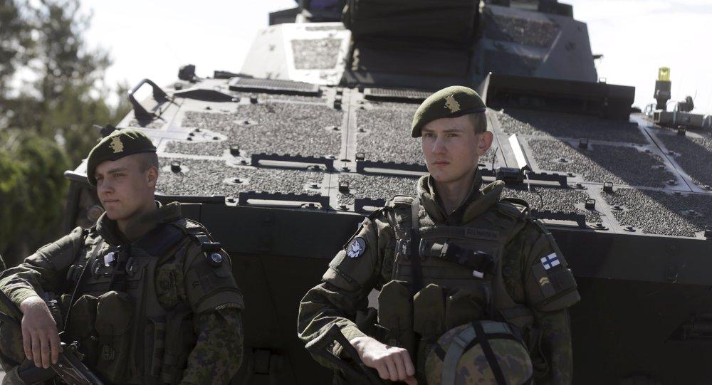 Dos soldados del Ejército de Finlandia
