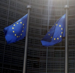 La UE llama a Kiev a dialogar con Moscú tras incumplir pago de la deuda