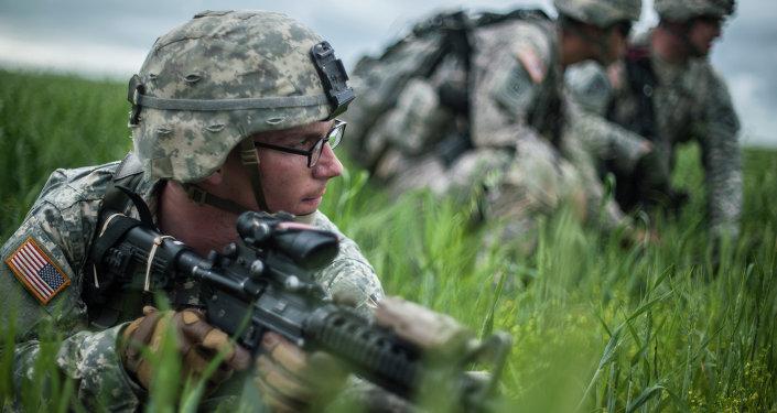 Los militares estadounidenses durante los ejercicios militares en Kosovo (archivo)