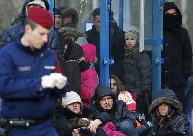 Inmigrantes ilegales de Serbia en Hungría