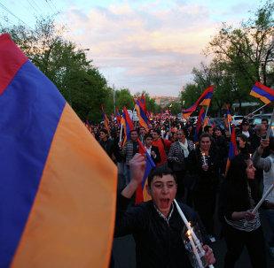 Marcha ceremonial en memoria de las víctimas del genocidio de armenios en Erevan, Armenia (Archivo)